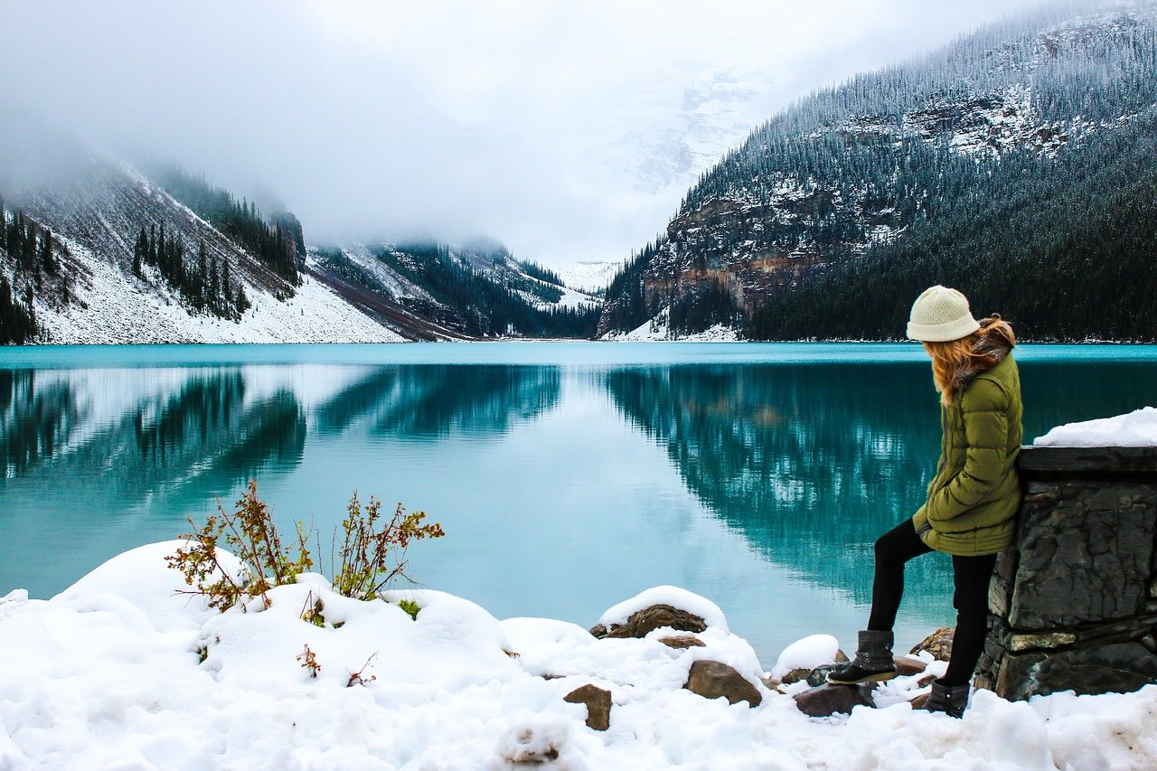 woman hiker winter travel_snow_lake_PD