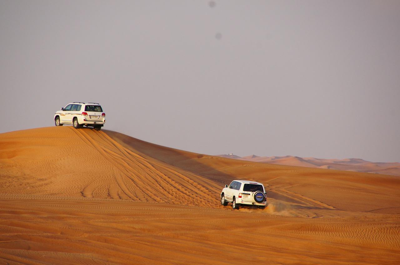 Desert safari_in a 4x4 Jeep_SUV_PD