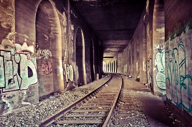Railroad Track Ruin Photo_PD
