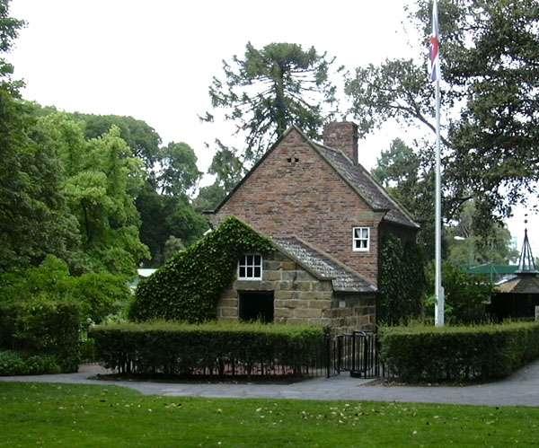 Captain_Cooks_Cottage-Captain Cook's Cottage, Fitzroy Gardens-Melbourne_PD