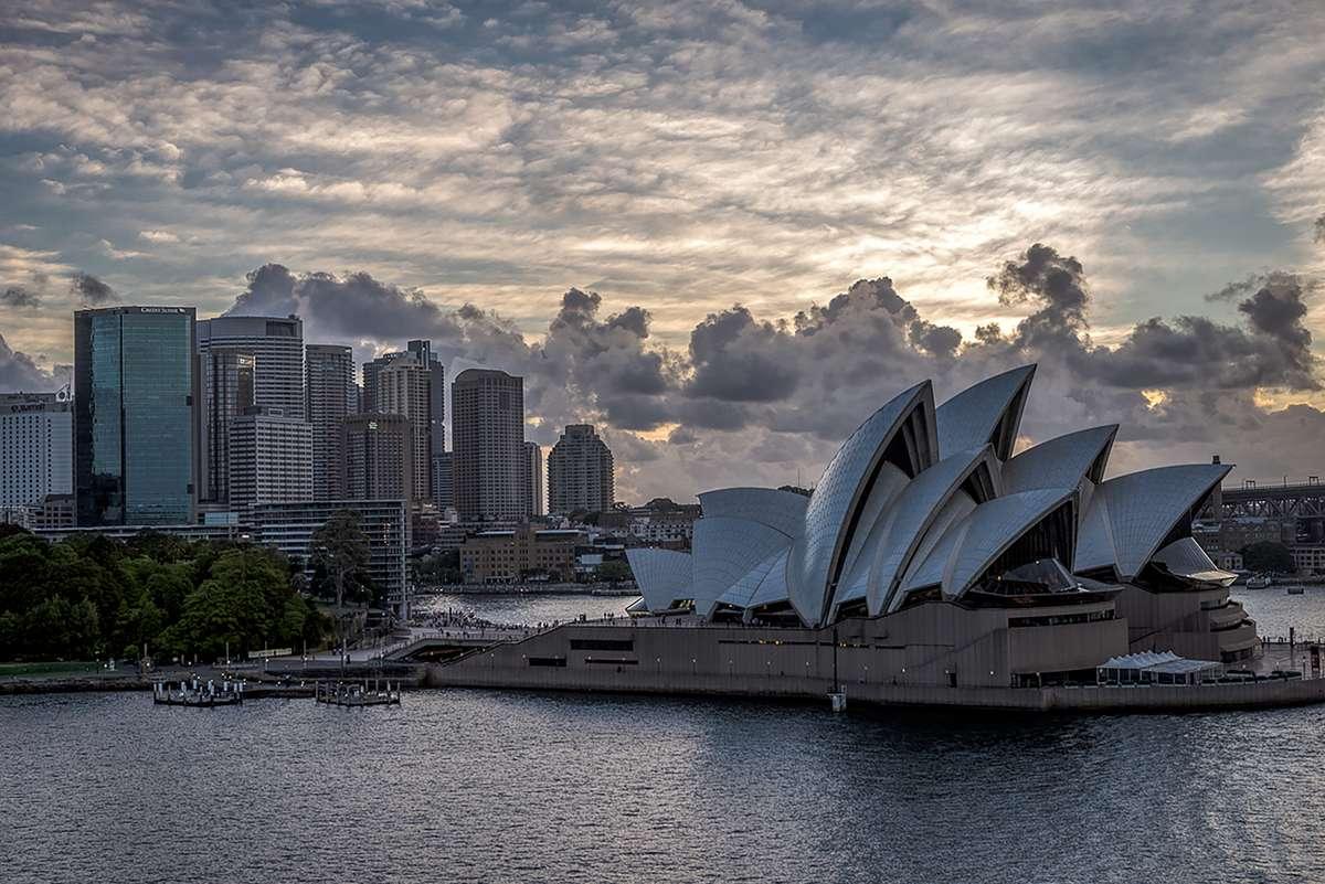 sydney-opera-house-harbor-Sydney Opera House-Sydney_PD
