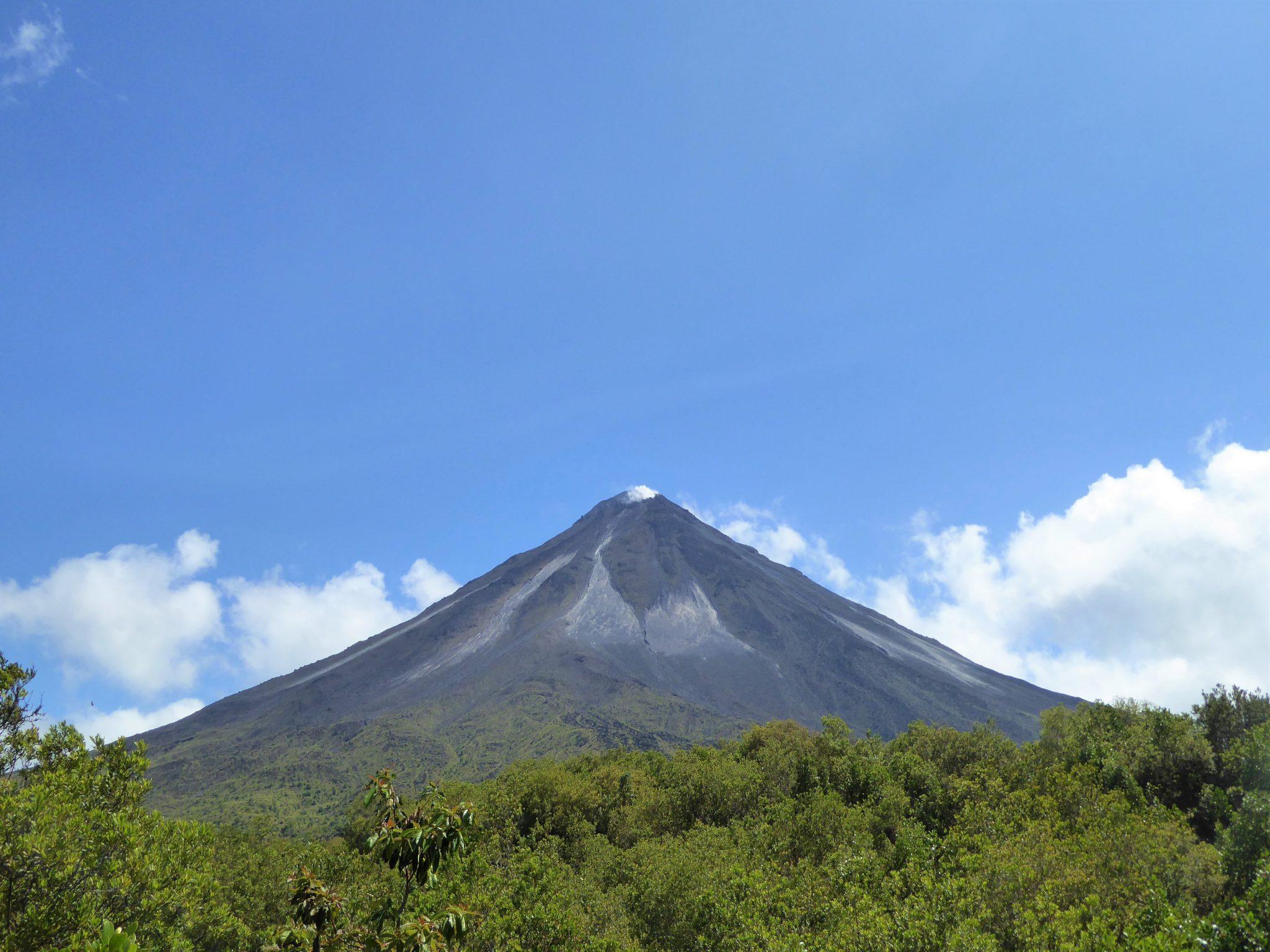 central-america-costa-rica-volcano_PD