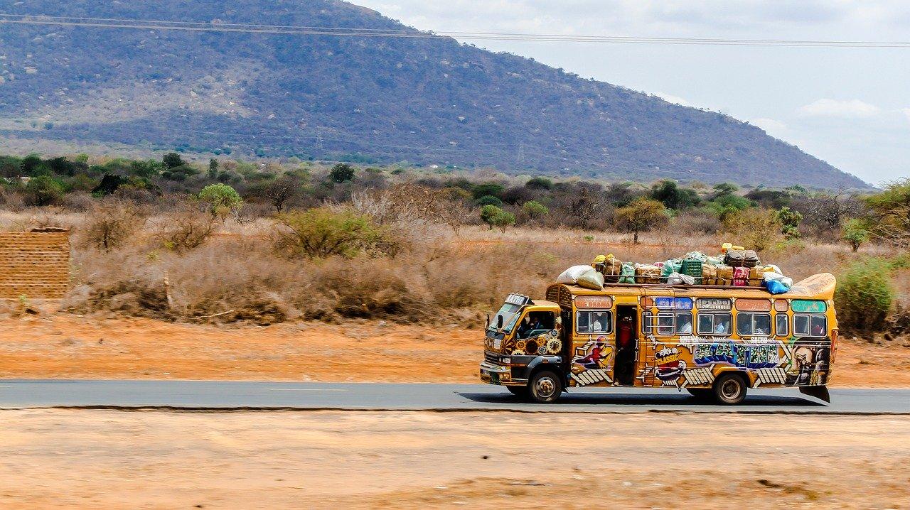 Nairobi Mombasa road_Kenya Africa_PD