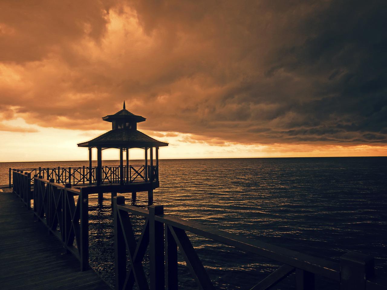 Walkboard_Jamaica sunset_PD