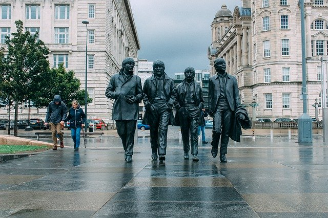 The Beatles_Liverpool England_Music fans tourism_PD
