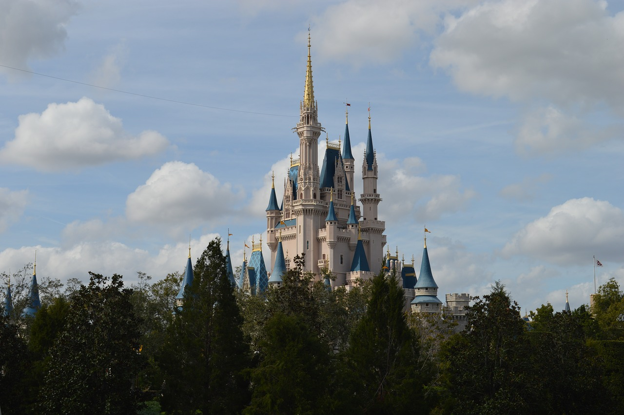 Disney World_Magic Kingdom_Cinderellas Castle_PD