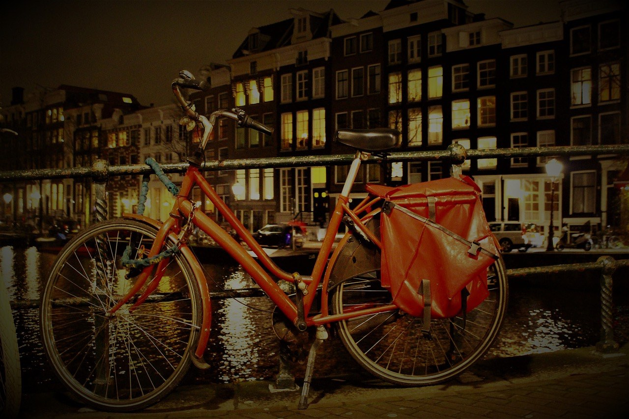 bike travel in amsterdam_netherlands_PD