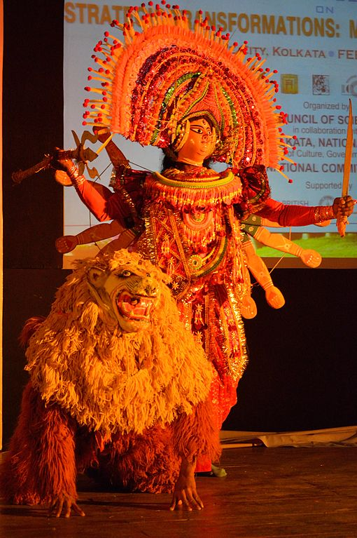 Chhau dance_Durga_with_Lion_Mahisasuramardini_Kolkata India_CC3.0_Wiki