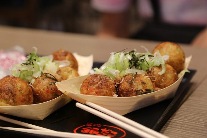 Takoyaki_Fried Octopus Balls_Japan_PD