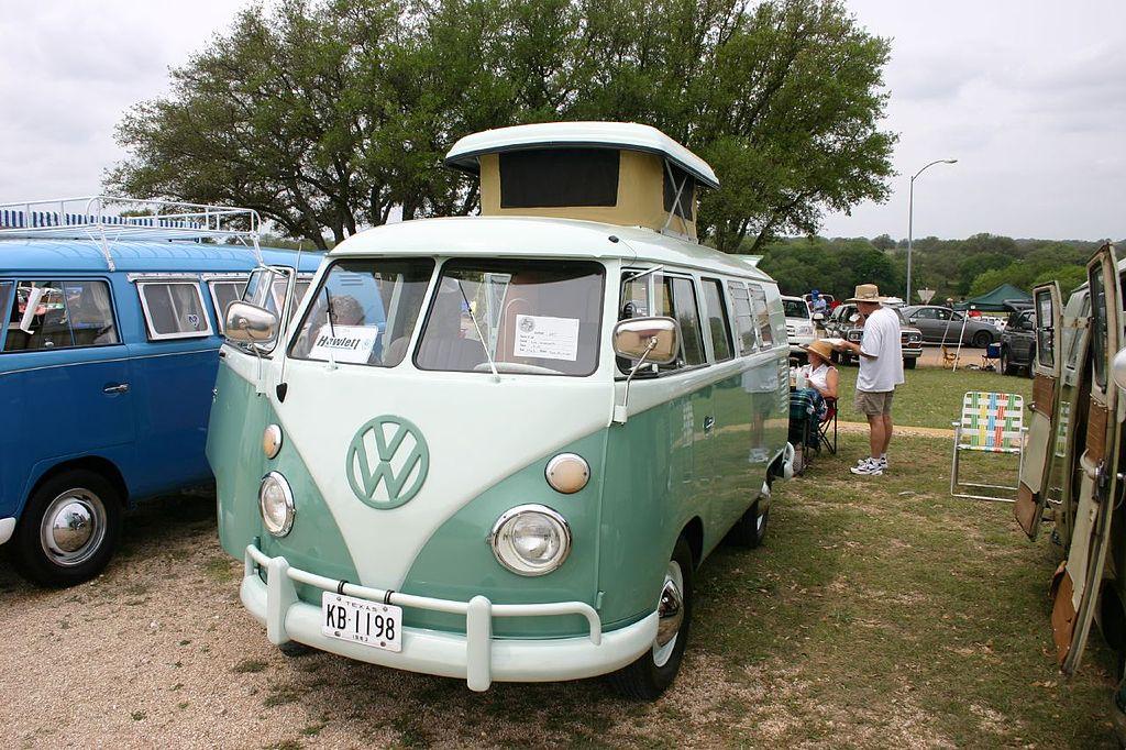 A VW_Camper van_CCBY2.5