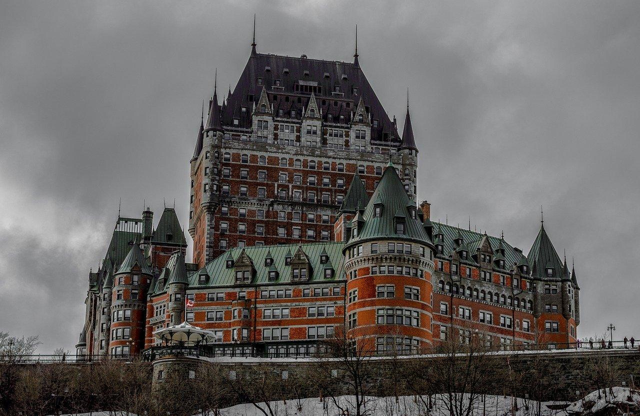 Frontenac castle hotel_Quebec Canada_PD