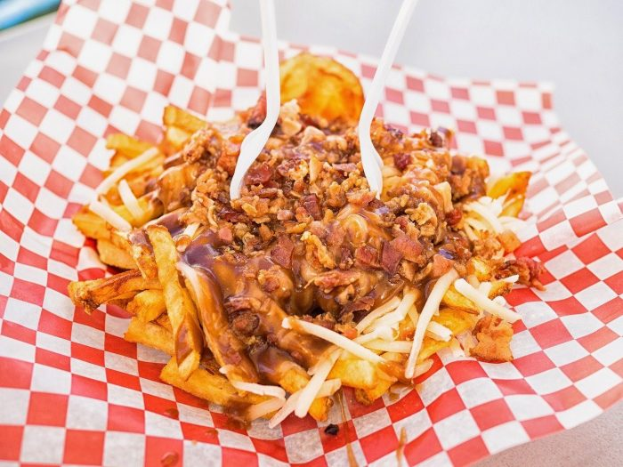 Poutine_french-fries_Quebec_Canada_PD