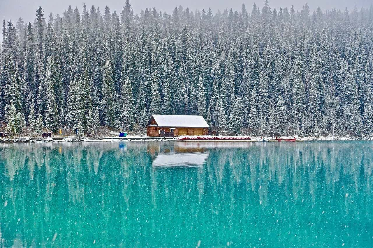 Cabin life at Lake Louise_Canada_PD