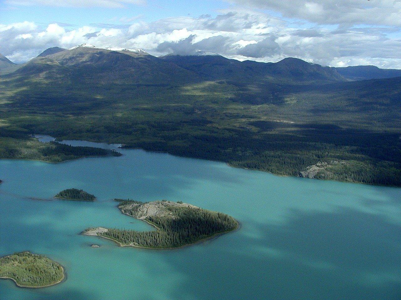 Yukon Territory Lakes_Canada_PD