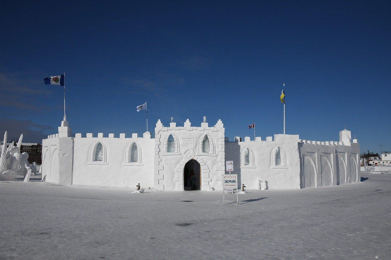 ice castle yellowknife northwest canada_PD