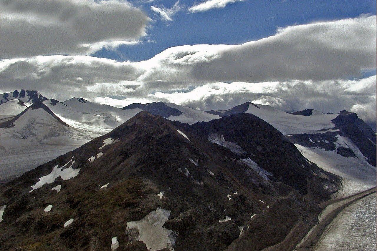 mountains in yukon territory canada_PD