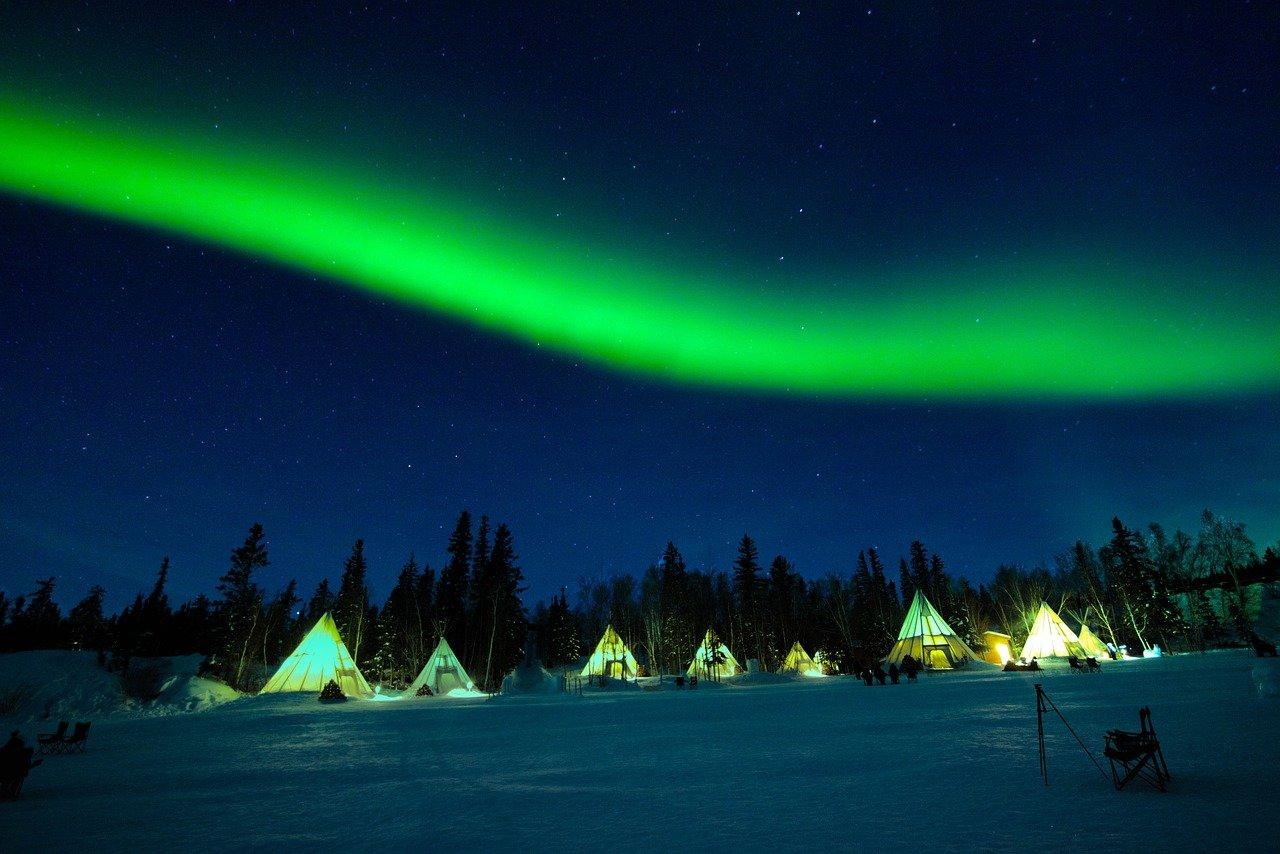 yellowknife canada_aurora lights camping_PD