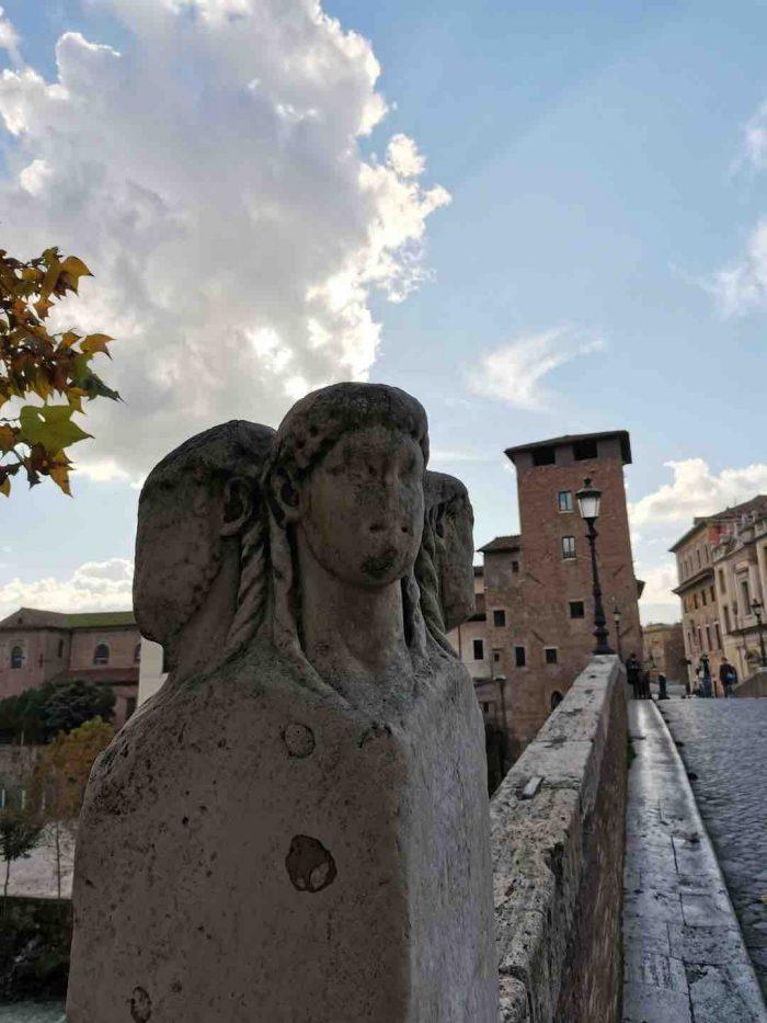4-headed gatekeeper_Rome_AOT