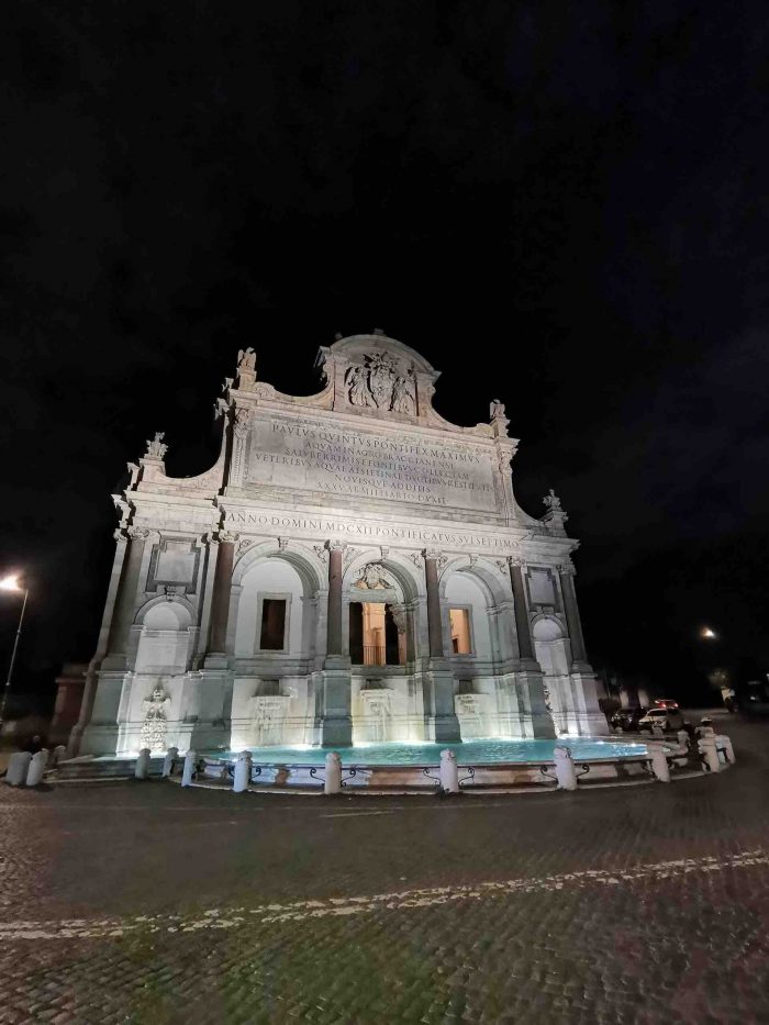 Fountain Acqua Paola night_Rome_AOT