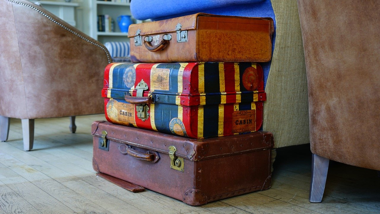overpacking_minimize luggage_don't over pack_PD